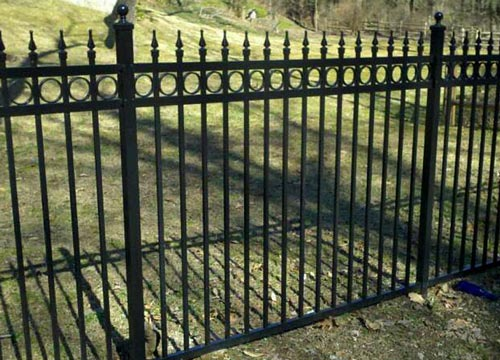 image of aluminum fence